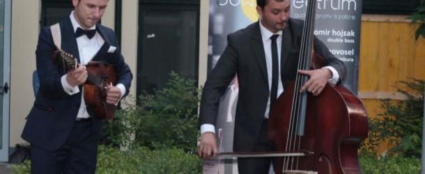 Bow VS Plectrum – Milano